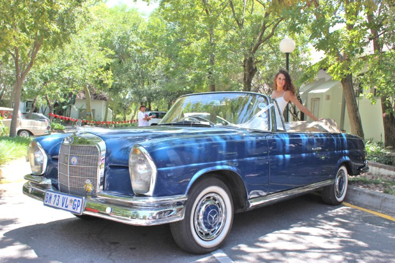 1963 Mercedes Benz Cabriolet 280SEB (Royal Blue) HIRE CLASSIC CARS IMAGE GALLERY